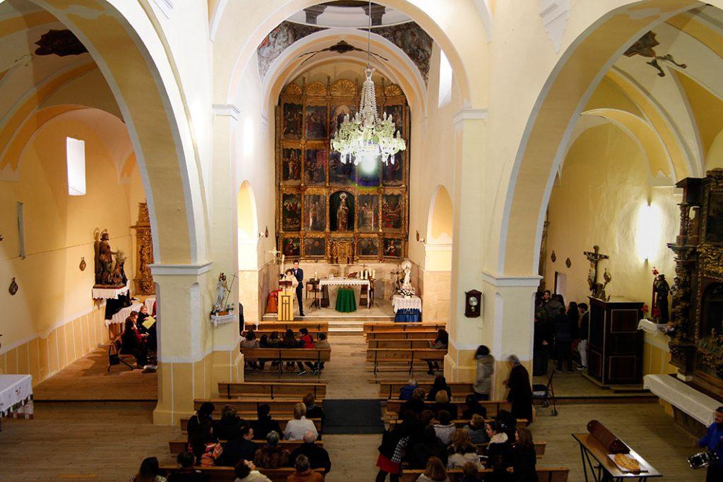 interior-iglesia-del-salvador-belver
